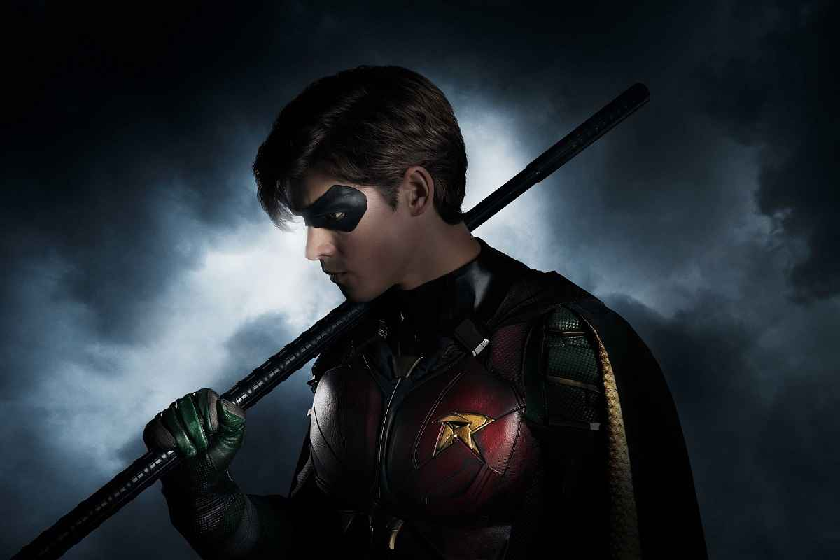 First Look At Robin's Live-Action Titans Costume